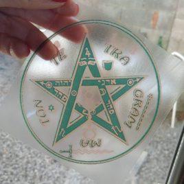 Pegatina tetragramaton