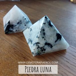 Piedra luna pirámide