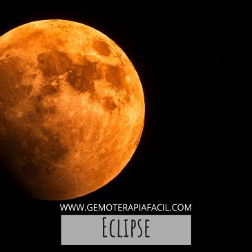 Eclipse lunar y piedras