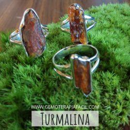 anillo turmalina dorada damburita